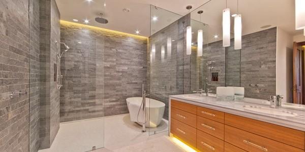Best Pendant Lighting Ideas For The Modern Bathroom: RIstrutturazione Bagni Treviso Mestre