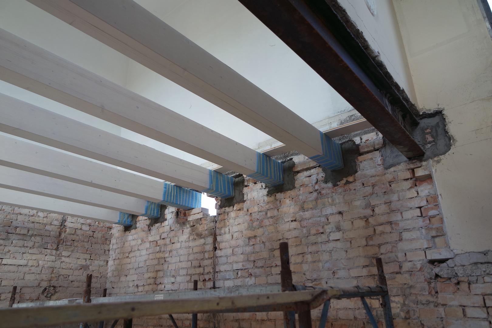 Travi e putrelle solaio ristrutturazione casa treviso - Tracce su muri portanti ...