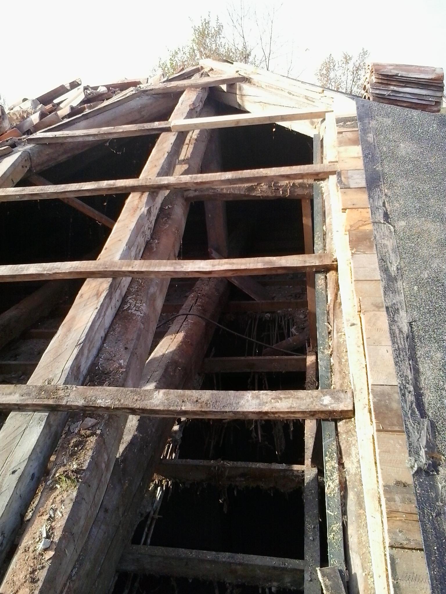 Rifare il tetto in economia terminali antivento per - Costi ristrutturazione casa vecchia ...